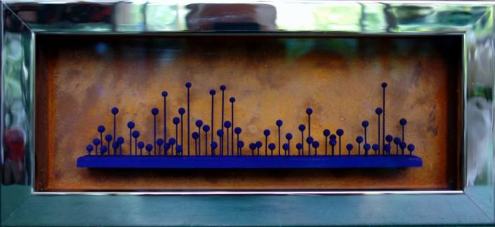 Thaddäus Labisch - Nadelbild, fluoresz. Farbpigmente auf Stecknadeln, 12,7 x 27,8cm, 2015